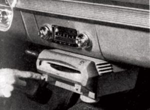 Norelco_Auto_Mignon_CRApril1961-record-player